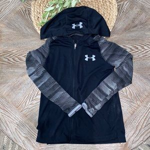 Boys Under Armour zip up black hooded long sleeve